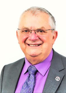 Longstanding councillor Roger to stand down